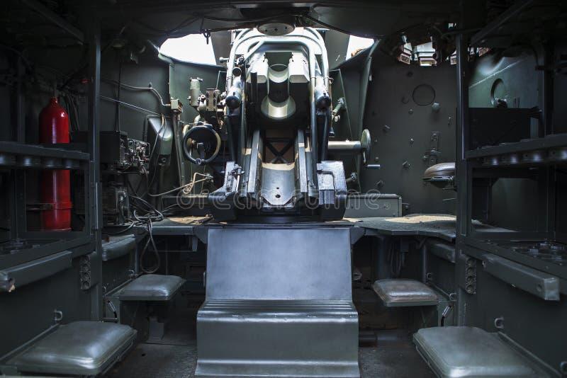 Skott av den militära lastbilen royaltyfri bild
