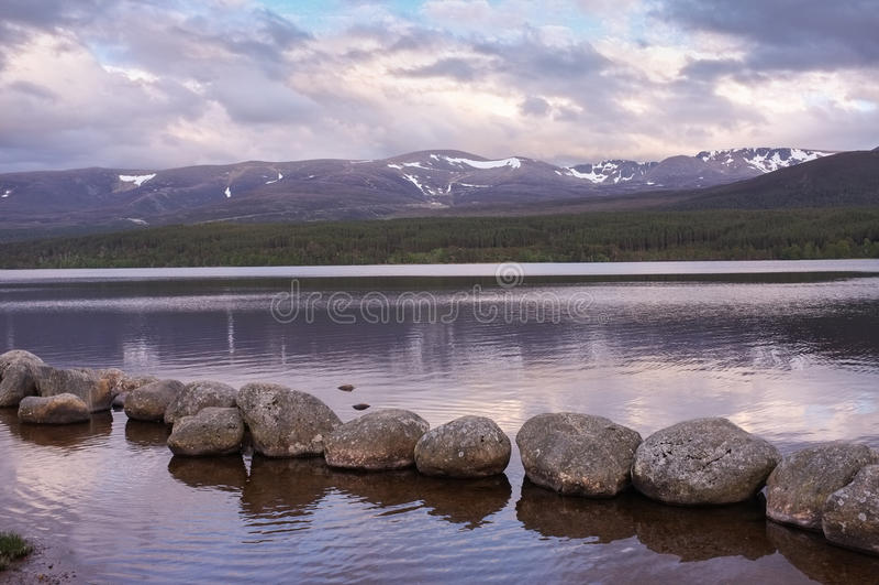 Skottland landskap, Cairngorm berg royaltyfri bild