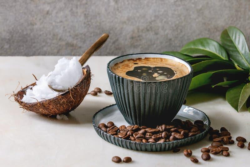 Skotts?kert kaffe med sm?r royaltyfria foton