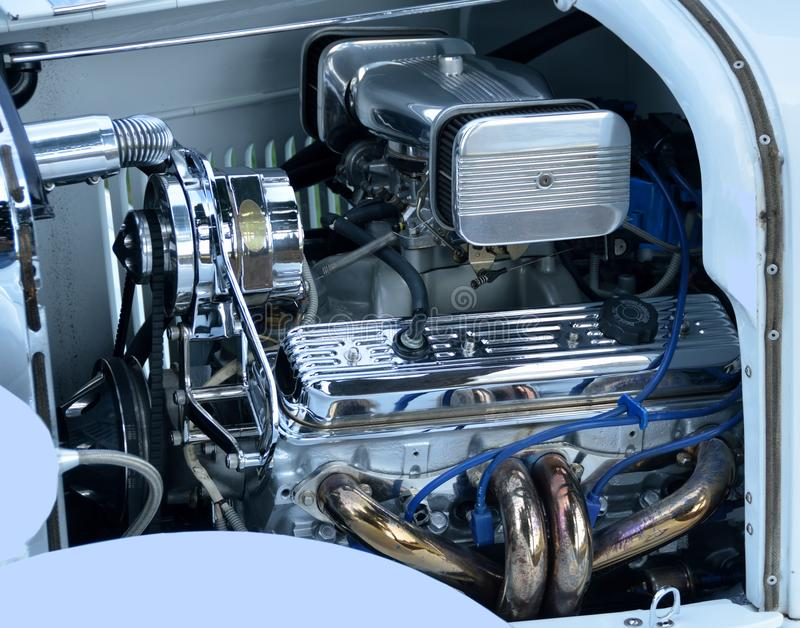 Skräddarsy bilmotor  arkivfoton