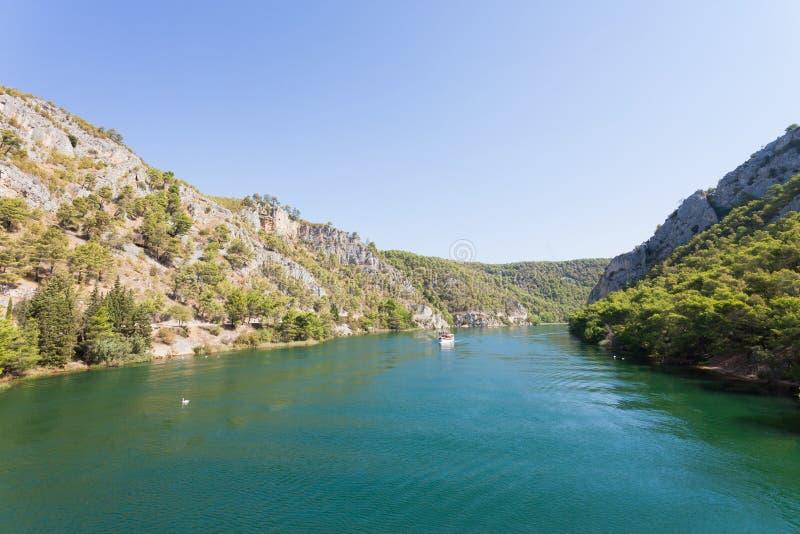Skradin, Croácia - entrando na boca de rio a Skradin foto de stock