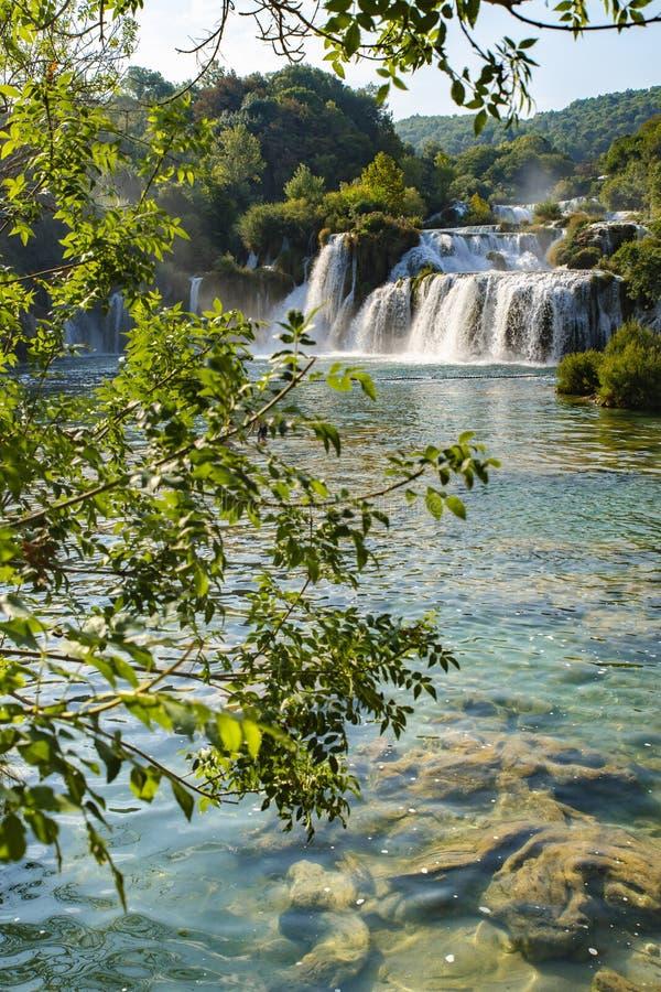Skradinski Buk vattenfall i den Krka nationalparken - Dalmatia Kroatien, Europa arkivbilder