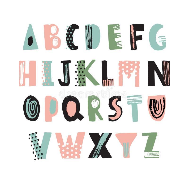 Skraj latinsk stilsort eller barnslig hand för engelskt alfabet som dras på vit bakgrund Färgrika texturerade bokstäver som dekor stock illustrationer