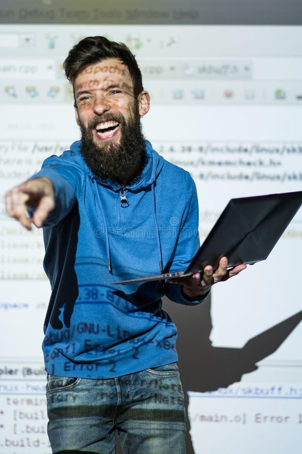 Skratt för talare för talarkonstanförandehantverk växelverkande arkivfoton