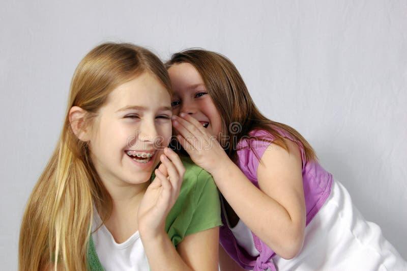 skratta för flickor royaltyfri fotografi