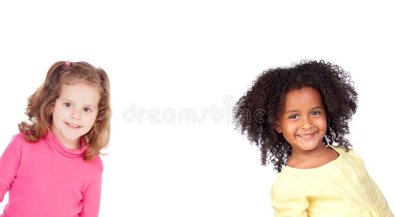 Skratta för två roligt barn arkivfoton