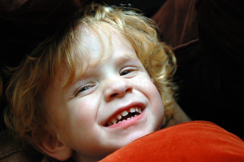 skratta litet barn fotografering för bildbyråer