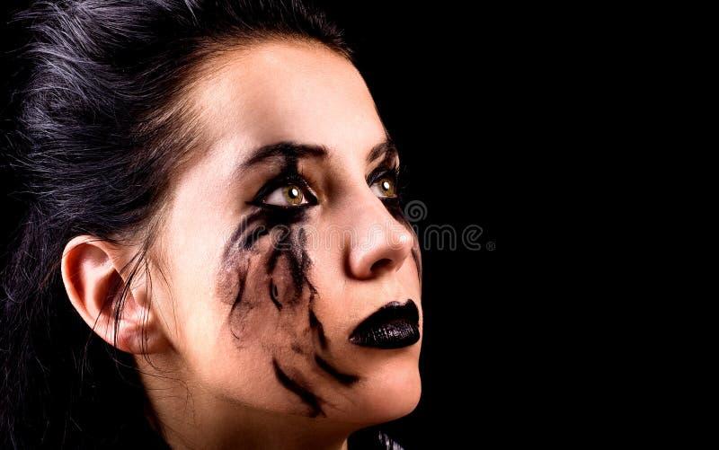 Skriande kvinna med makeup arkivfoton
