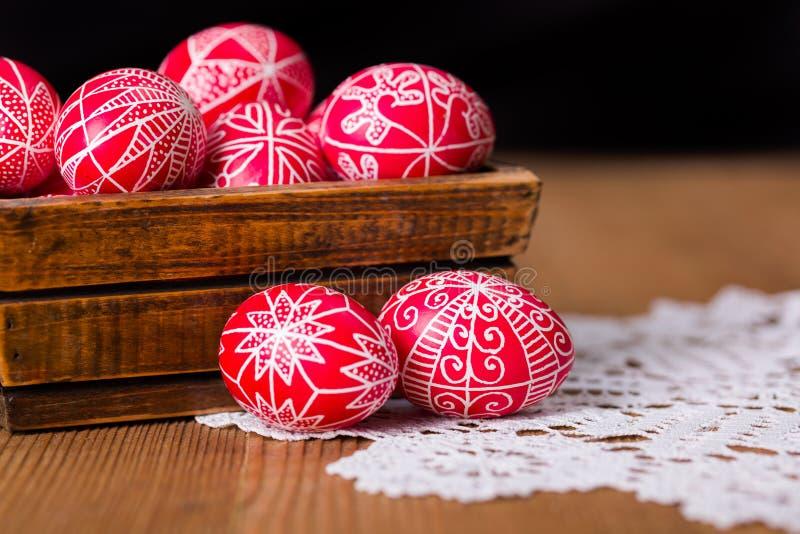 Skriftliga ägg för traditionell transylvanian hand fotografering för bildbyråer