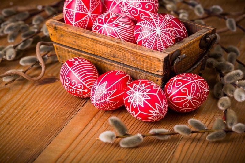 Skriftliga ägg för traditionell transylvanian hand royaltyfri bild