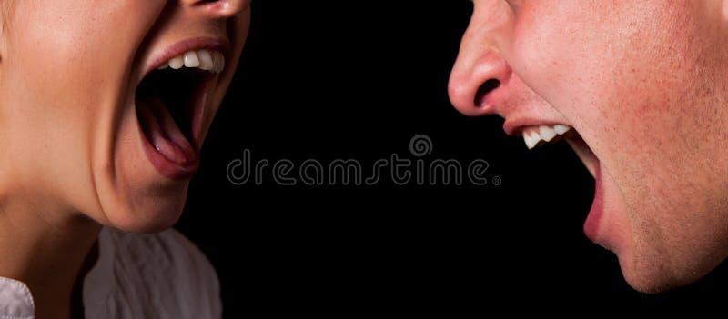 skrika för closeupmunkvinna fotografering för bildbyråer