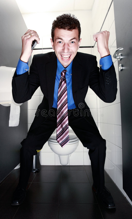 skrika för toalett för affärsman gladlynt royaltyfri foto