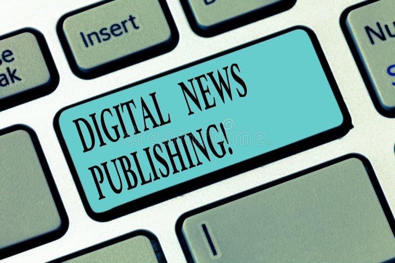 Skriva anmärkningen som visar att publicera för Digital nyheterna Affärsfoto som ställer ut den elektroniska TV-sändningrapporten royaltyfri foto