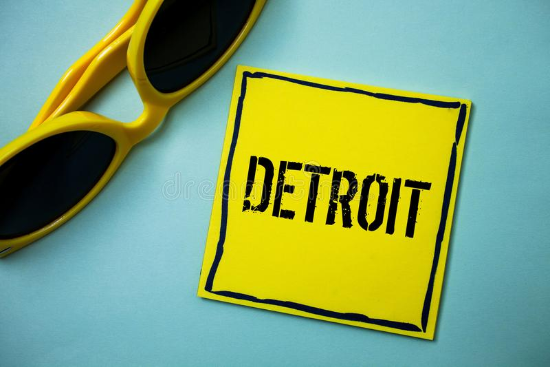 Skriva anmärkningen som visar Detroit Affärsfoto som ställer ut staden i Amerikas förenta staterhuvudstaden av Michigan Motown id royaltyfria bilder
