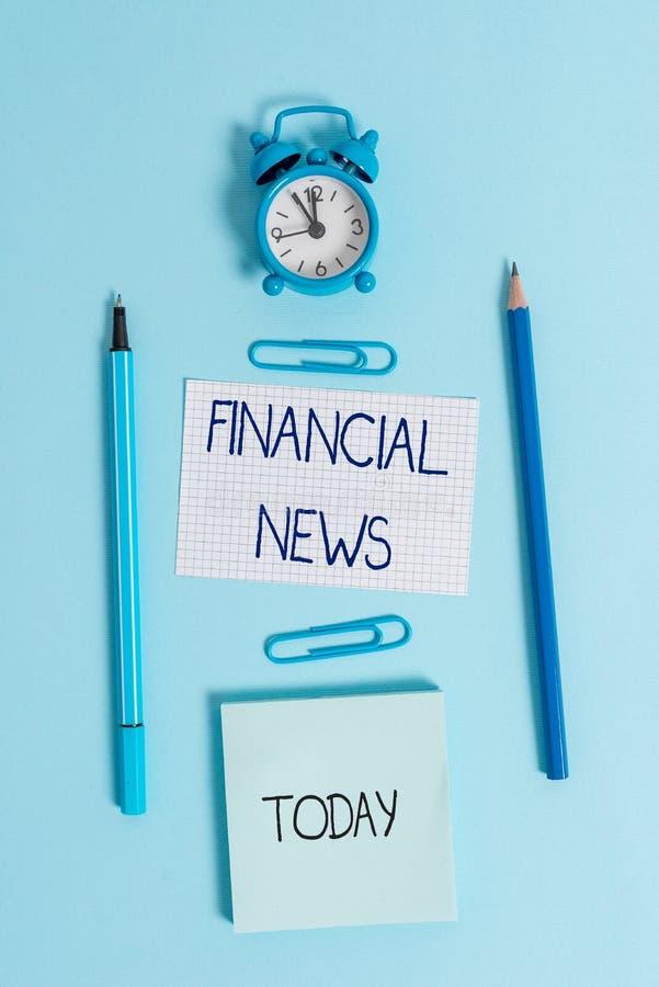 Skriva anm?rkningen som visar finansiell nyheterna Affärsfoto som ställer ut reglering för bankverksamhet inom huvudsakligen värd royaltyfria bilder