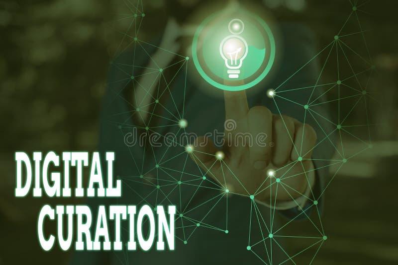 Skriva anteckning som visar digital kursion Insamling och arkivering av digitala tillgångar för visning av företagsfoton royaltyfri bild