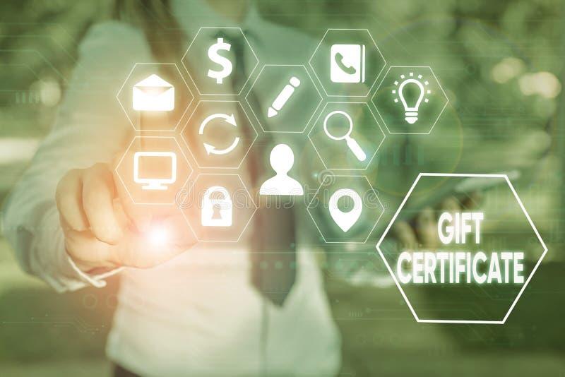 Skriva anteckning som visar Gift-certifikat Affärsvisningscertifikat som ger mottagaren rätt att ta emot varor arkivbild