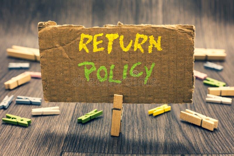 Skriva politik för anmärkningsvisningretur Affärsfoto som ställer ut uttryck och villkor för skattersättningdetaljhandel på köpkl arkivbilder