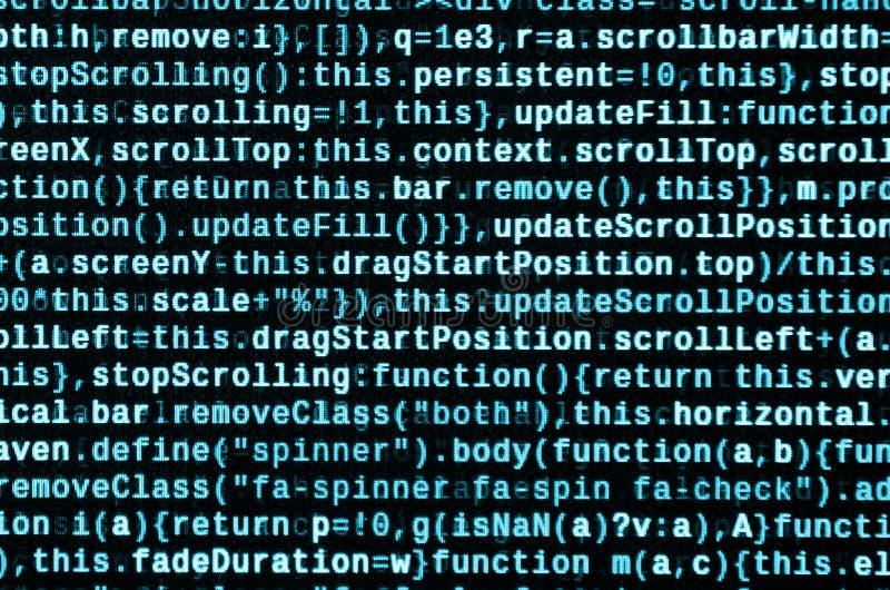 Skriva programmera kod på bärbara datorn Digital binära data på datorskärmen royaltyfria foton