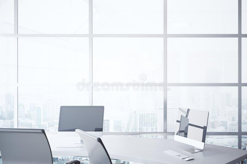 Skrivbord med datorer i regeringsställning vektor illustrationer
