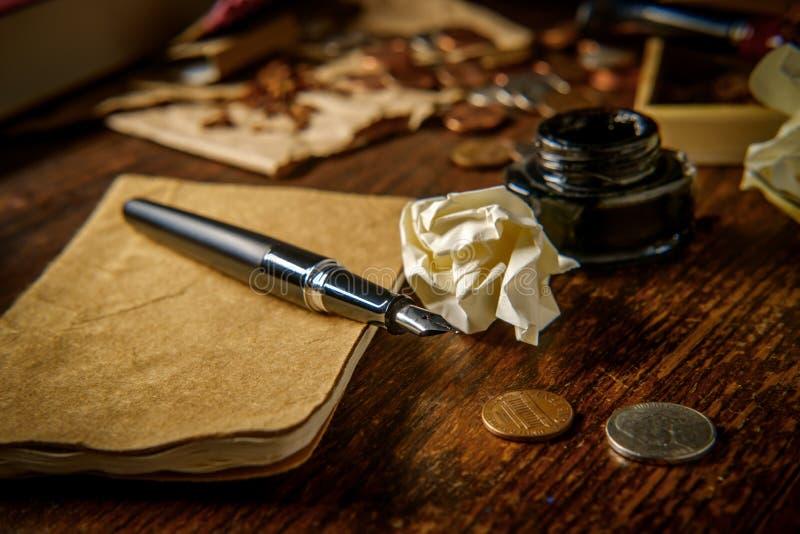 Skrivbordförfattare Whisky royaltyfri bild