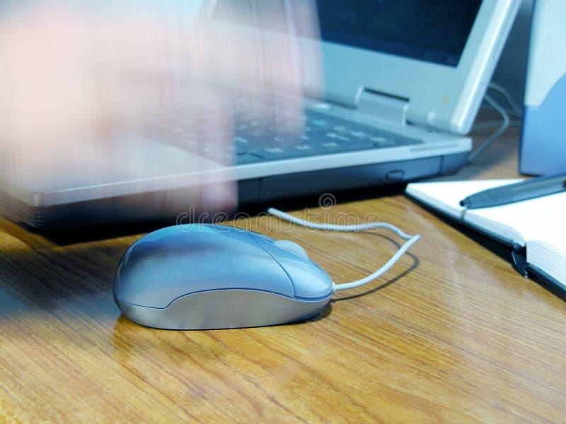 Download Skrivbordkontor arkivfoto. Bild av dator, hand, teknologi - 514150