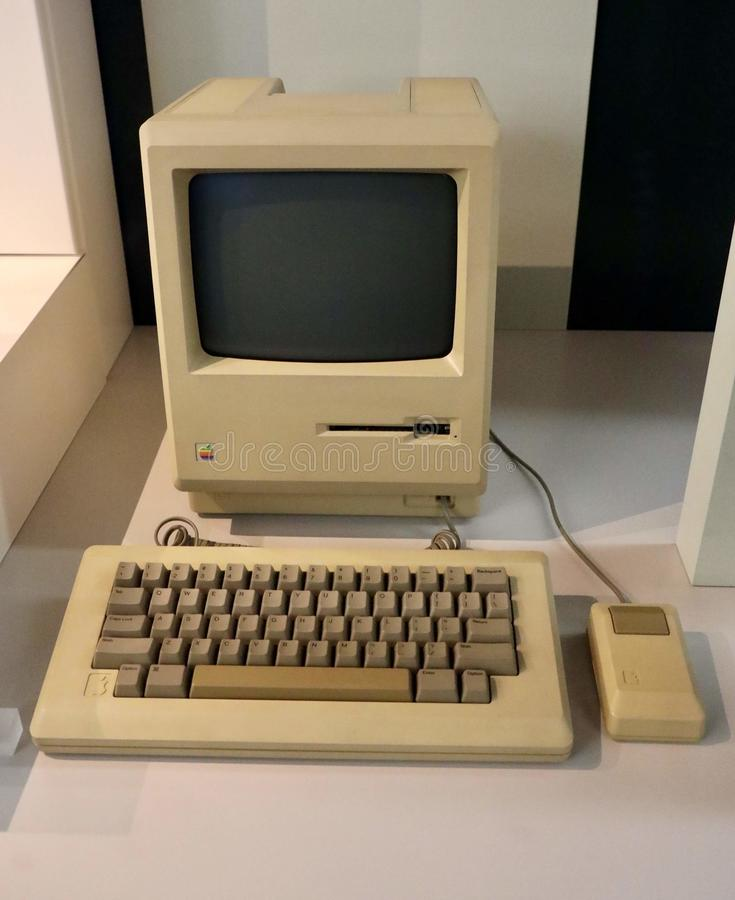 Skrivbords- dator för Apple Macintosh fotografering för bildbyråer