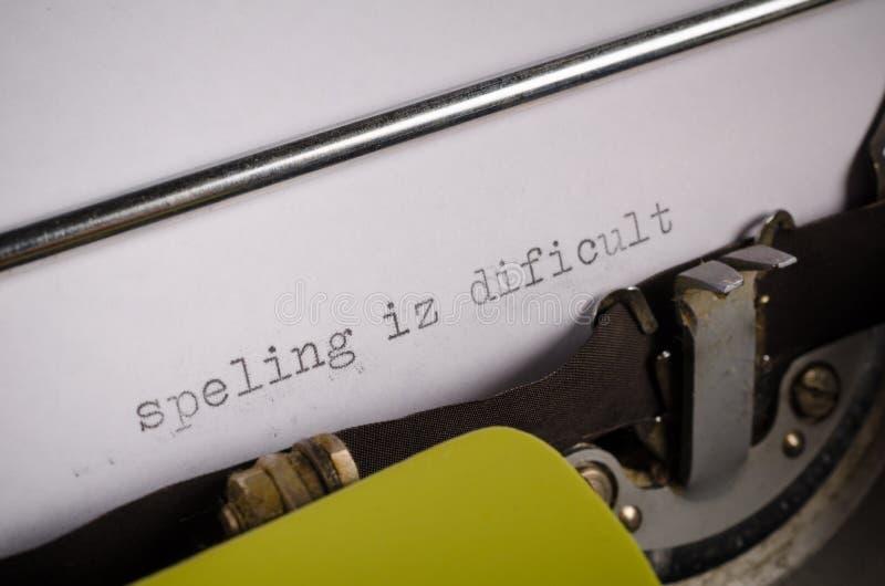 Skriven text med stavningsfel fotografering för bildbyråer