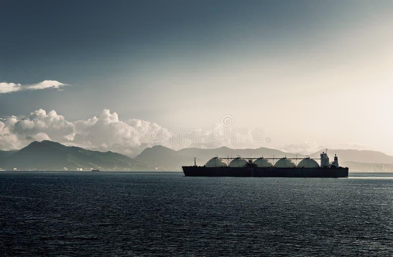 SKROPLONEGO GAZU NATURALNEGO LNG przewoźnika statek Z PIĘĆ zbiornikami TRINIDAD I TOBAGO zdjęcie stock