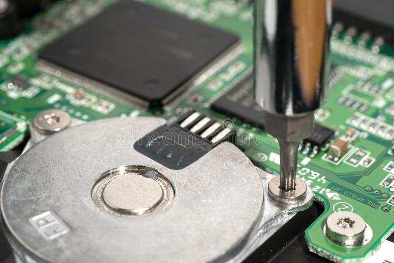 Skruva en elektrisk motor arkivbilder