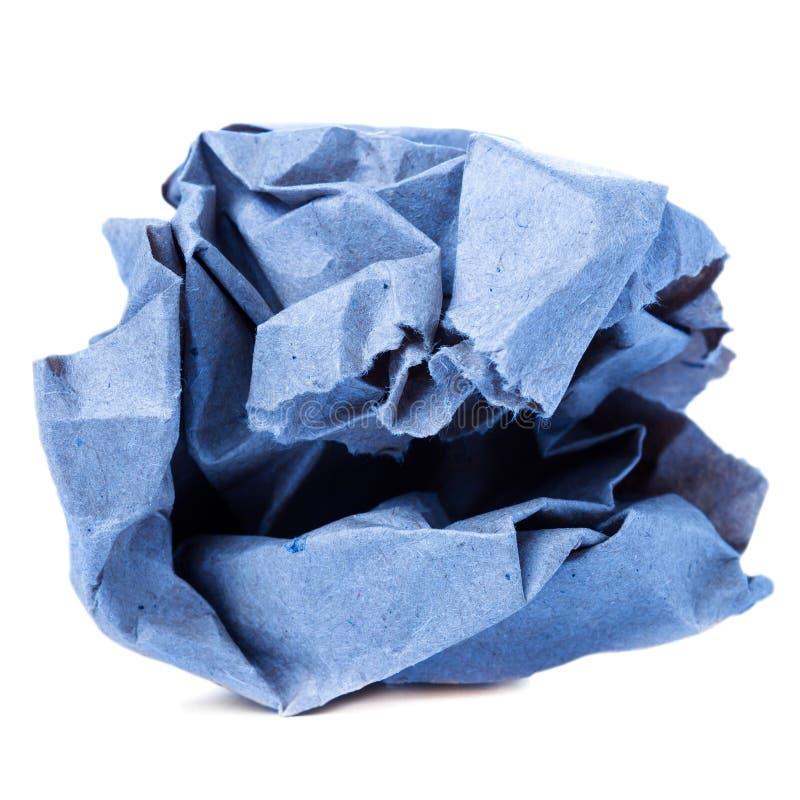 Skrynklig färgrik återanvänd pappers- boll som isoleras på den vita backgrouen arkivfoton