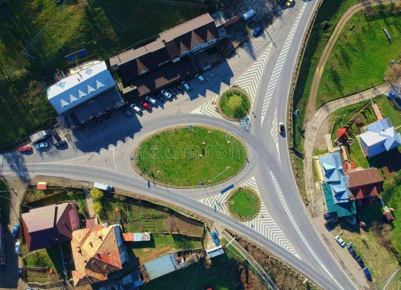 Skrzy?owanie droga w wiejskim krajobrazie obrazy royalty free