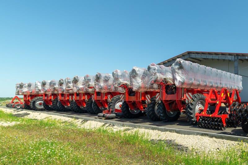 Skuggad jordbruks- utrustning Produkter av det jordbruks- maskineriet för växt för tillverkning av royaltyfri fotografi
