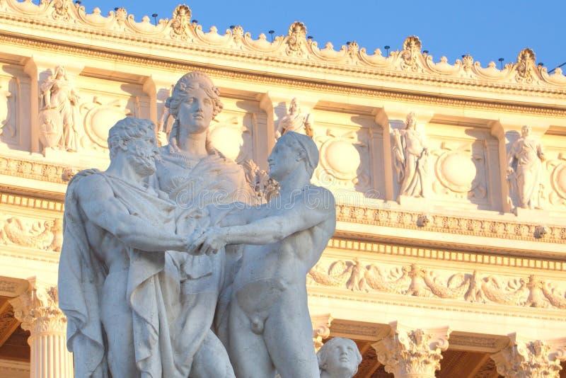 Skulptera sammansättning av den Altare dellaen Patria (den Vittorio Emanuele monumentet), Rome, Italien arkivbilder