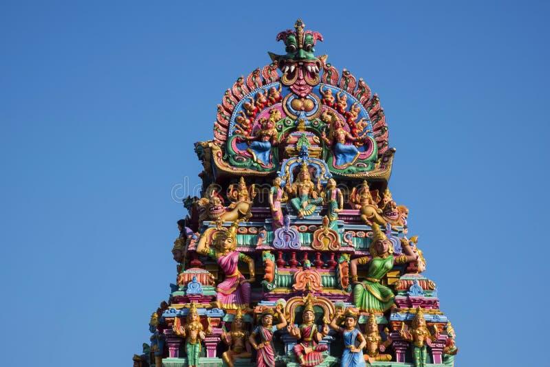 Skulpterad fasad av den Kapaleeshwarar templet, Mylapore, Chennai, Tamil Nadu, Indien arkivfoton