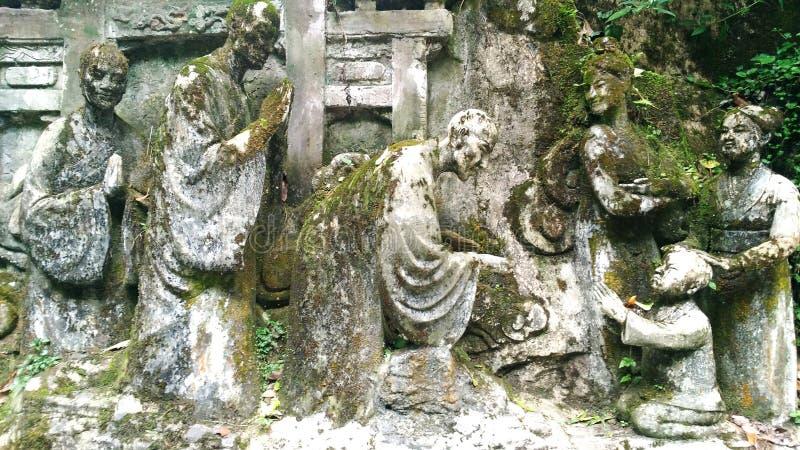 Skulptur auf Lebenstein stockbild