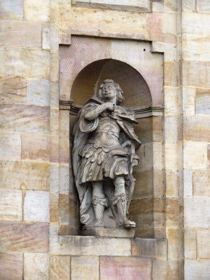 Skulptur av den Carmelite kloster royaltyfri foto