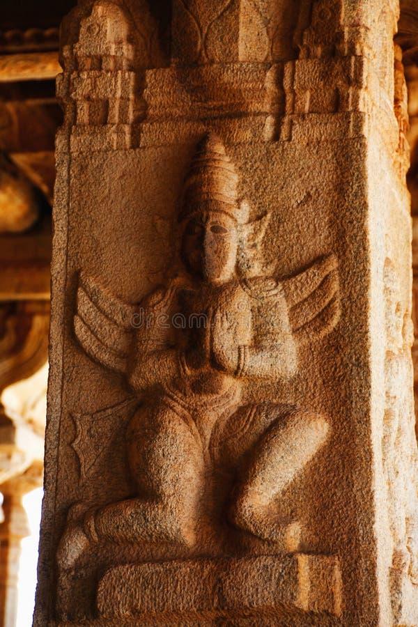 Skulptur av den Garuda avataren på den Vittala templet, Hampi, Karnataka, Indien royaltyfri bild