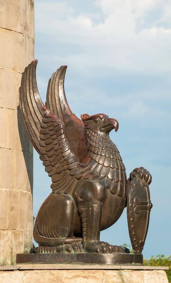 Skulptur av gripen royaltyfria bilder