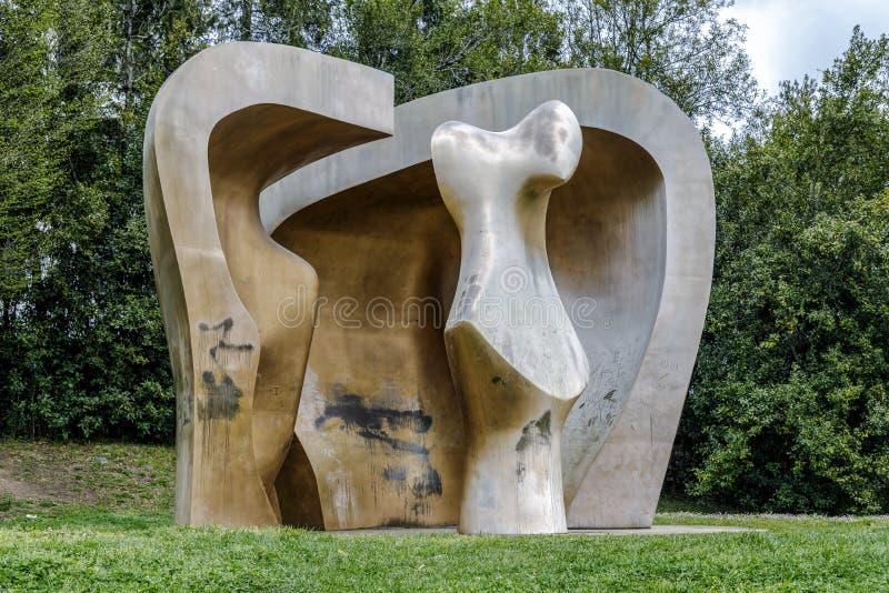 Skulptur av Henry Moore arkivbild
