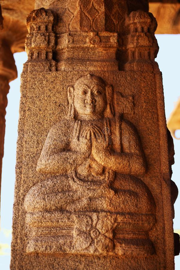 Skulptur av Lord Buddha på den Vittala templet, Hampi, Karnataka, Indien royaltyfria bilder