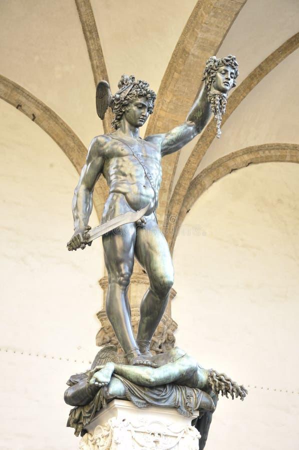 Skulptur av Perseus med huvudet av medusaen av Benvenuto Cellin arkivbilder