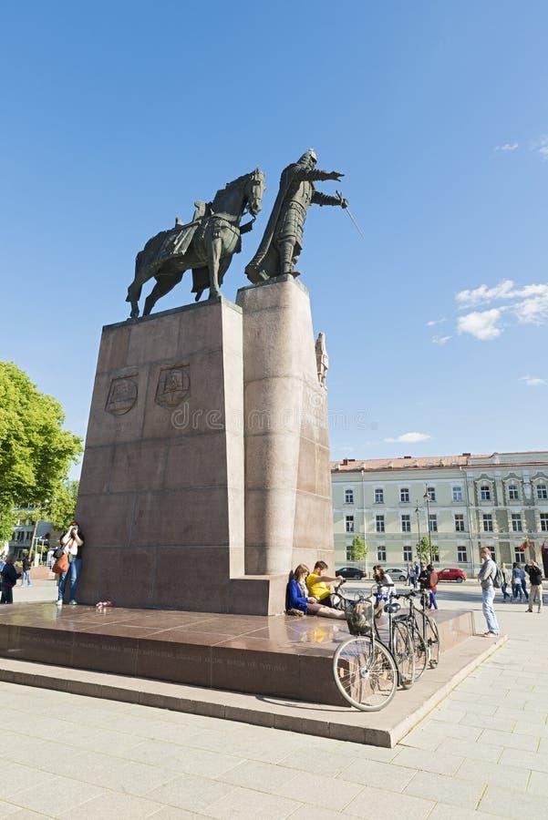 Skulptur av storslagna Duke Gediminas royaltyfria foton