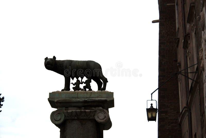 Skulptur Capitoline-Wolf Romulus und Remus lizenzfreie stockfotos