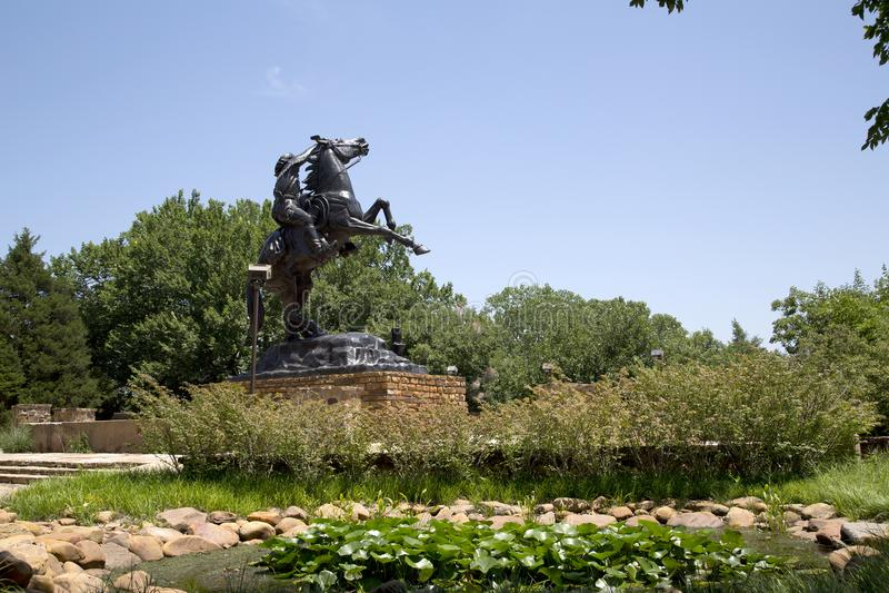 Skulptur i nationell cowboy & västra arvmuseum fotografering för bildbyråer