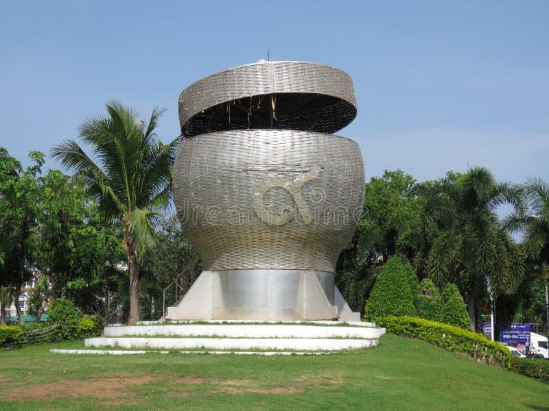 Skulptur, Kasten des klebrigen Reises enorm lizenzfreie stockfotografie