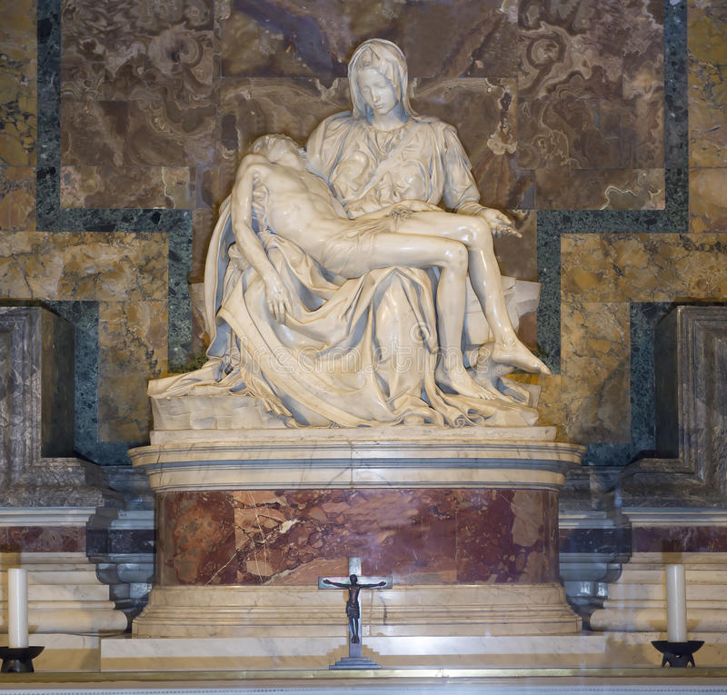 Skulptur Pieta gemeißelt durch Michelangelo Buonarroti stockfotos