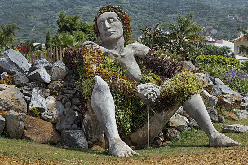 Skulptur in Sankt Ursula, Teneriffa, Spanien stockbild