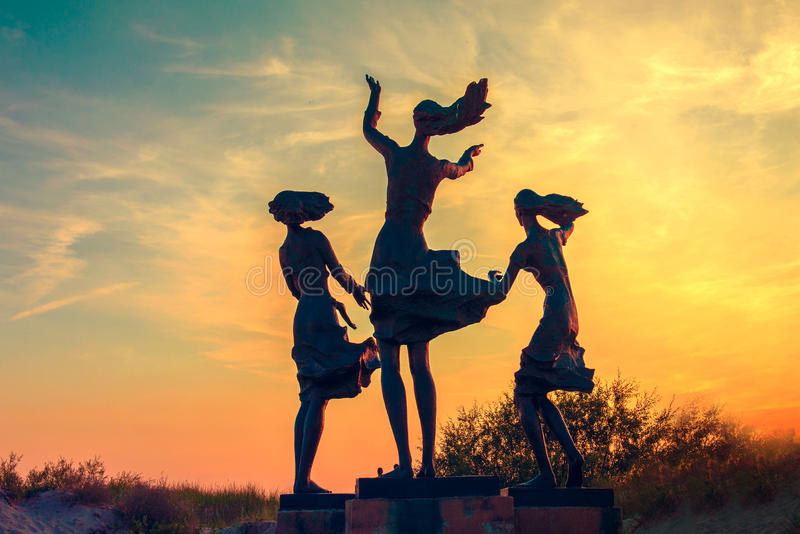 Skulptur in Sventoji stockfoto