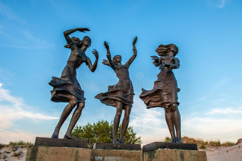 Skulptur in Sventoji lizenzfreie stockfotos